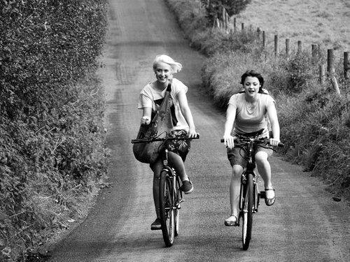 beautiful-bicycle-black-and-white-blonde-Favim.com-669398_large